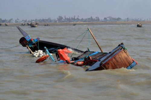 Boats mishaps claim 12 lives in Niger