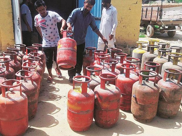 Cooking gas marketers raise alarm over 75% price hike - Phenomenal