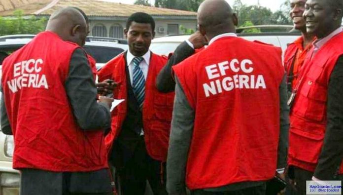 EFCC arrests 34 suspected internet fraudsters in Ibadan