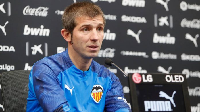 Valencia sack coach following back-to-back defeats