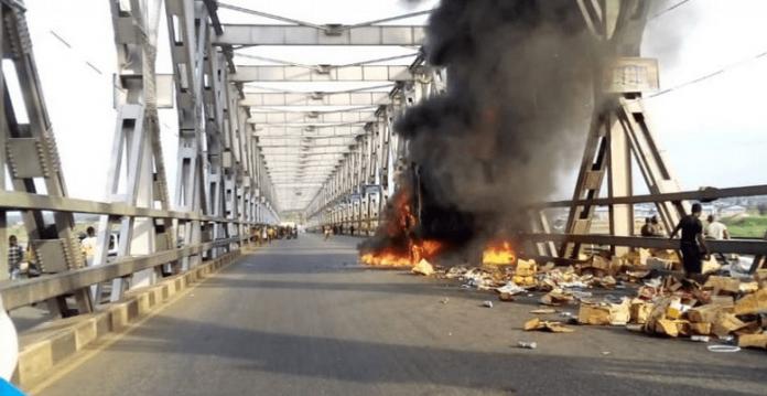BREAKING: Truck catches fire on Niger Bridge