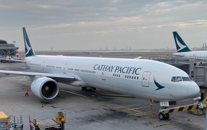 Cathay Pacific offers early retirement scheme to older pilots