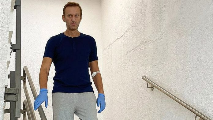 Verdict looms as defamation case against Navalny enters 3rd day