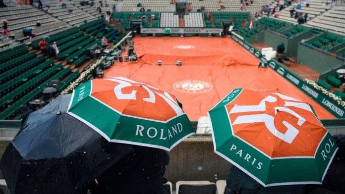 French Open allowed only 1,000 people a day, prime minister says