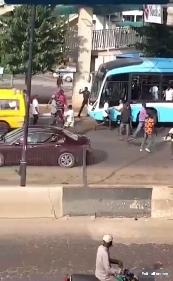 #EndSARS: Primero, LBSL debunk video of thugs using buses