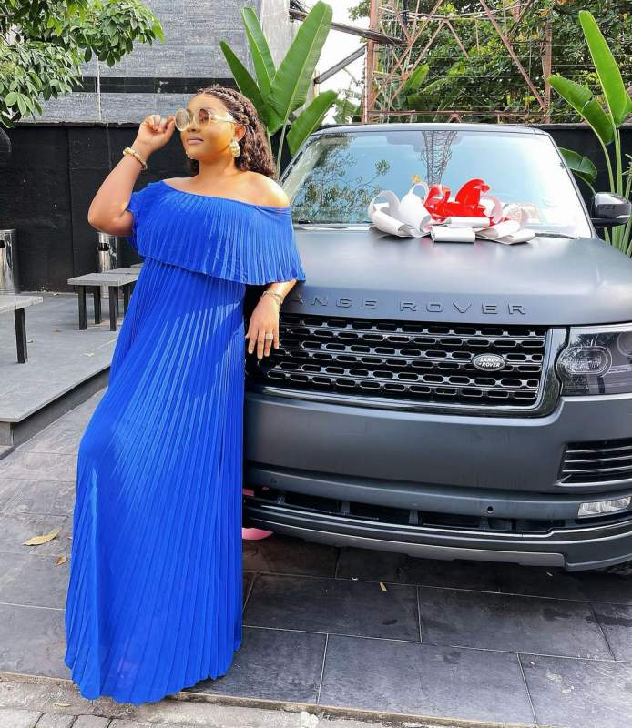 Mercy Aigbe receives Range Rover HSE as 43rd birthday gift (Video, Photos)